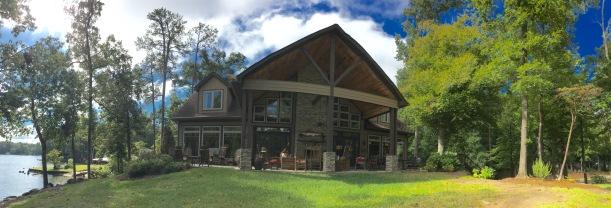 retreat-lake-house
